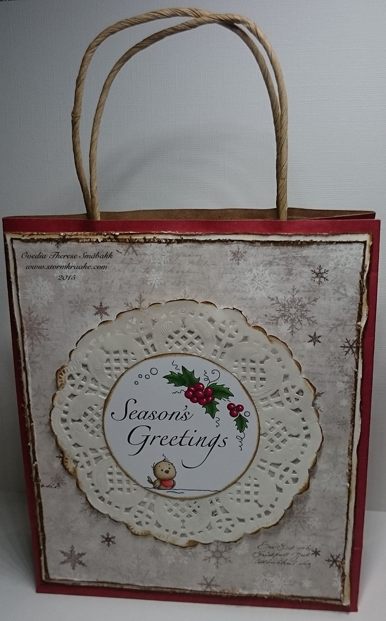 CHRISTMAS BAG CARD - RED - MAJA DESIGN - WOC - 003 - OVEDIA THERESE SMÅBAKK